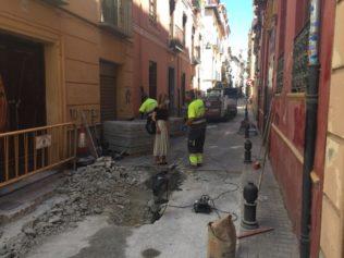 reparación de la calzada de la calle Concepción en el barrio Realejo-San Matías