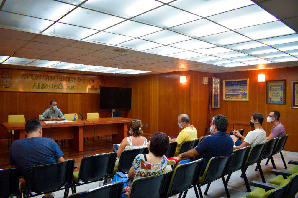 CONCEJAL DE EDUCACION Y DIRECTORES DE CENTROS PRIMARIA ALMUÑECAR Y LA HERRADURA 20