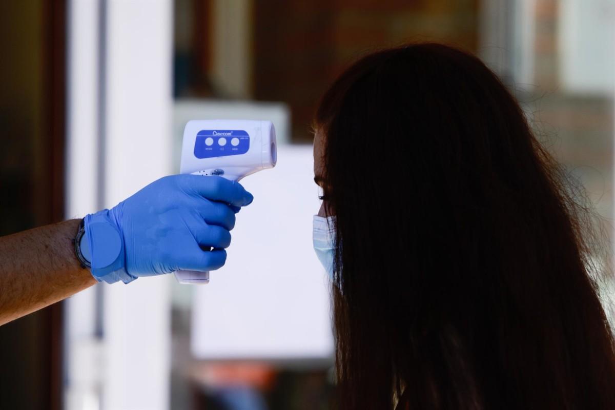 Dispositivo para la realización de pruebas PCR de coronavirus – Foto Ricardo Rubio – Europa Press