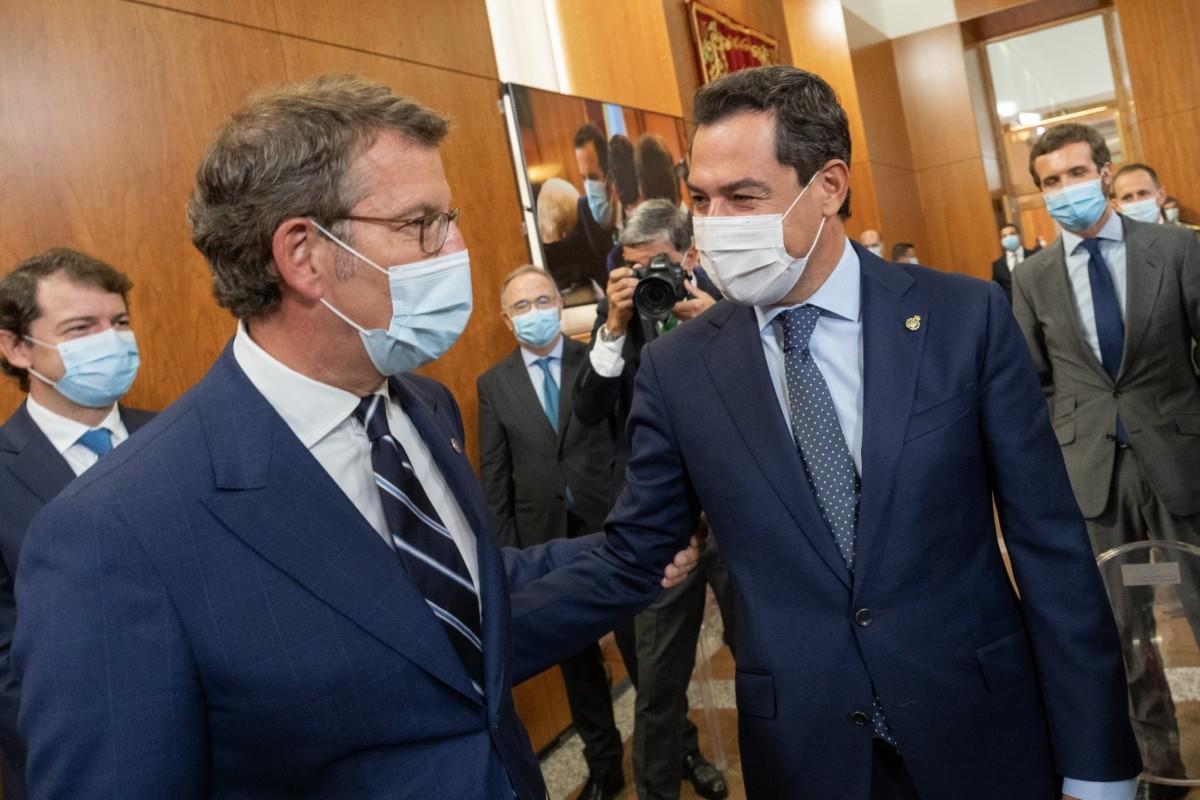 Alberto Núñz Feijóo Juan Manuel Moreno Bonilla y Pablo Casado en la toma de posesión del presidente gallego