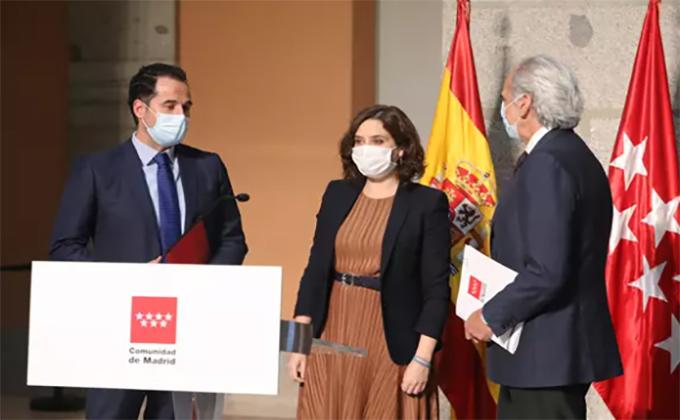 El vicepresidente Ignacio Aguado, la presidenta de la Comunidad de Madrid, Isabel Díaz Ayuso, y el consejero de Sanidad, Enrique Ruiz EscuderoMarta Fernández Jara – Europa Press