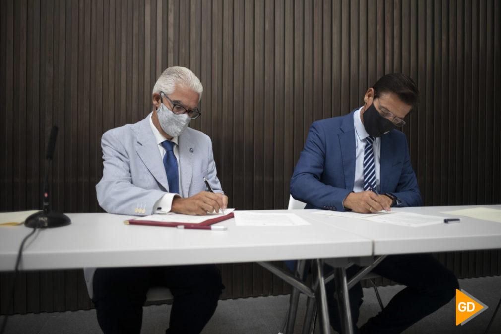 Firma del convenio de colaboración para la realización de prácticas académicas externas entre el ayuntamiento de Granada y el centro lorca