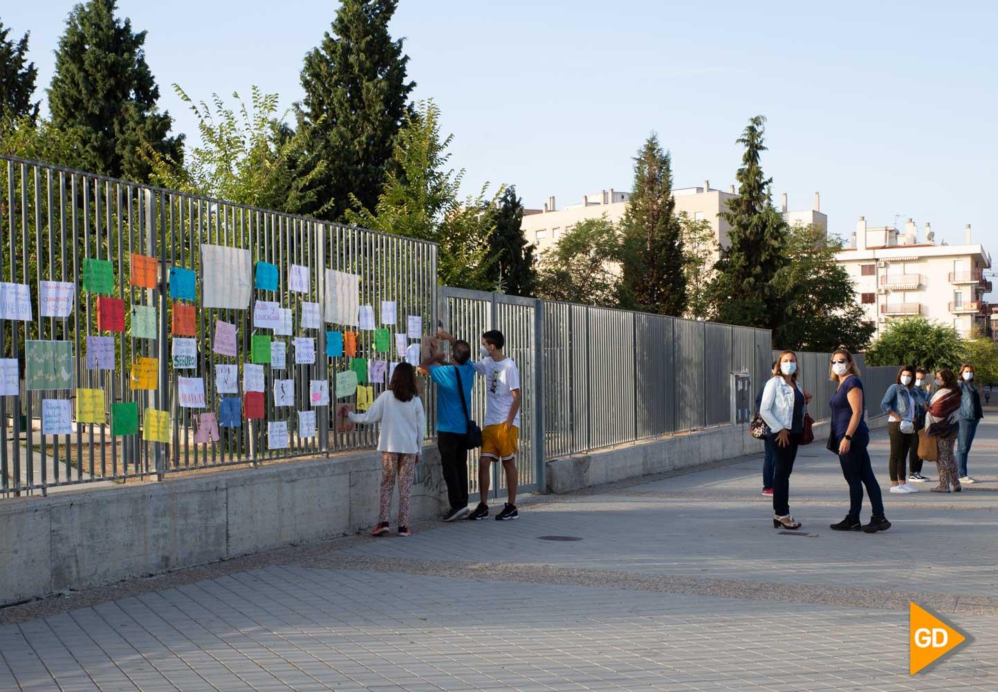Protesta madres y padres Colegio Vivaldi Carlos Gijon-3