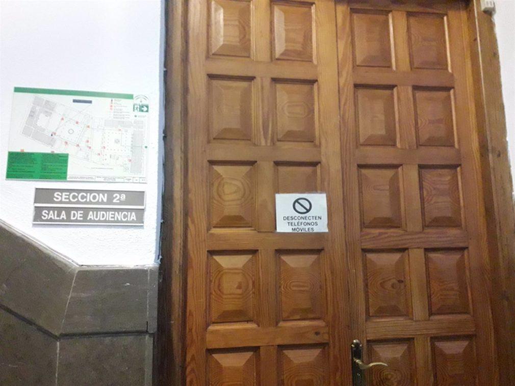 Granada.- Tribunales.- Juicio este jueves contra un acusado de vender droga en su casa para el que piden cinco años