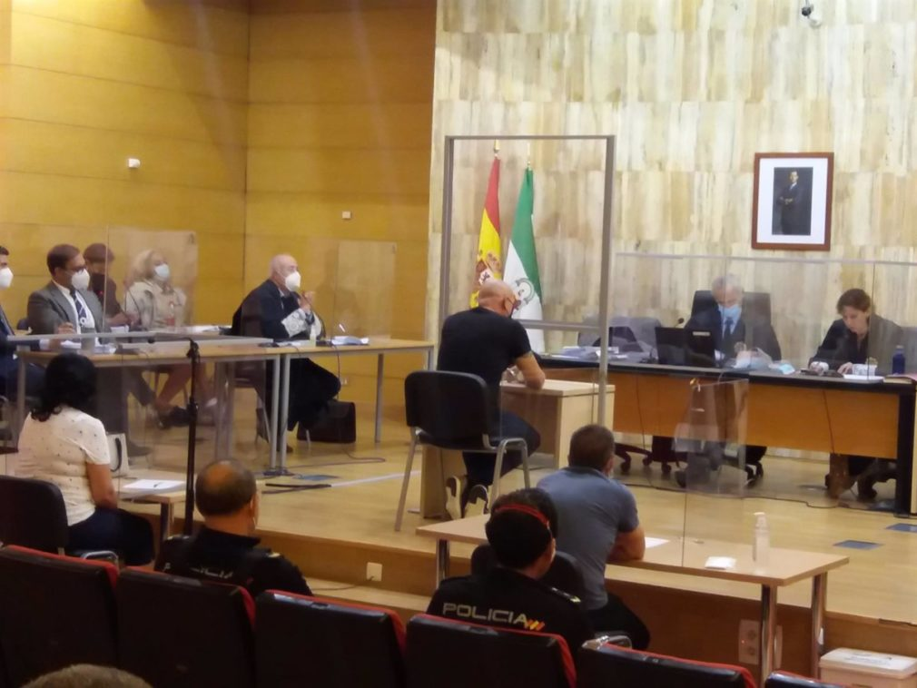Granada.- Tribunales.- El acusado de asesinar a su ex en Maracena declara que no lo recuerda pero que está arrepentido