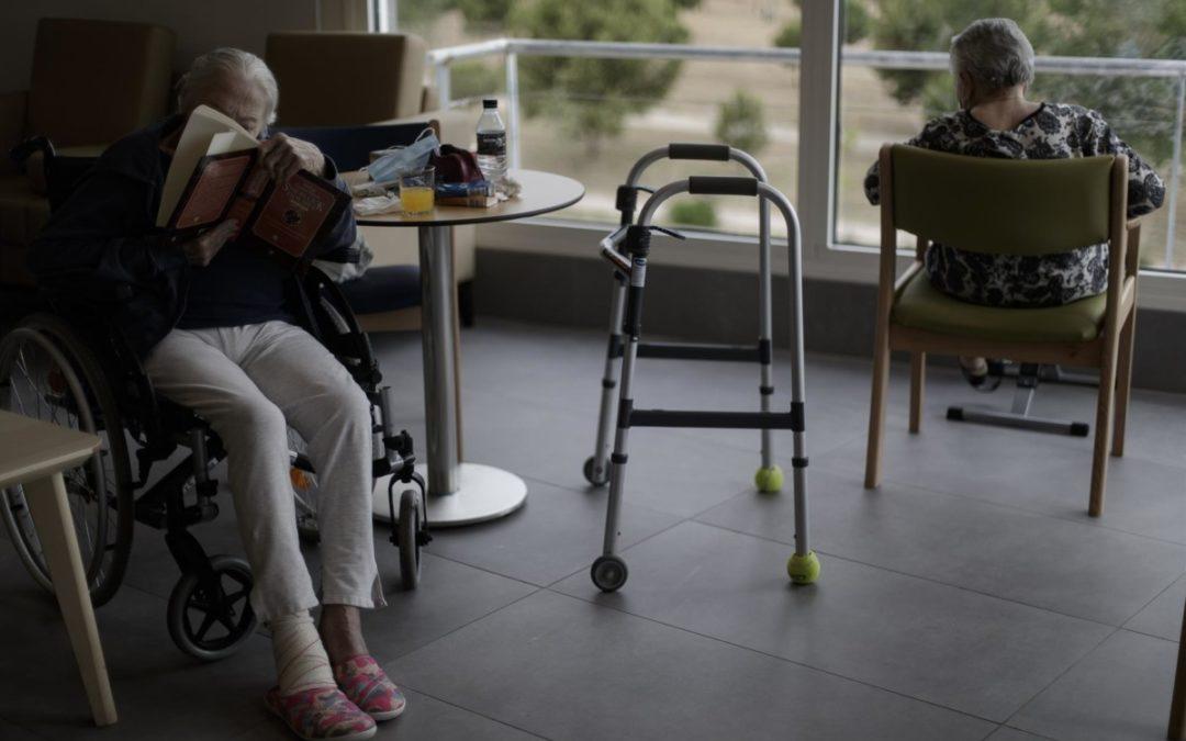 Las residencias andaluzas con positivos se duplica en nueve días con 93 centros afectados