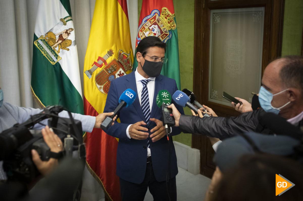 Foto Antonio L Juarez – Comisión en el Ayuntamiento de Granada por el positivo del alcalde Luis Salvador -1