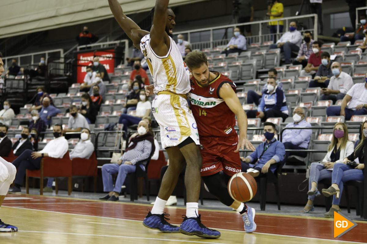 Partido entre el Fundacion CB Granada y el Real Murcia de Baloncesto en el palacio de los deportes de Granada