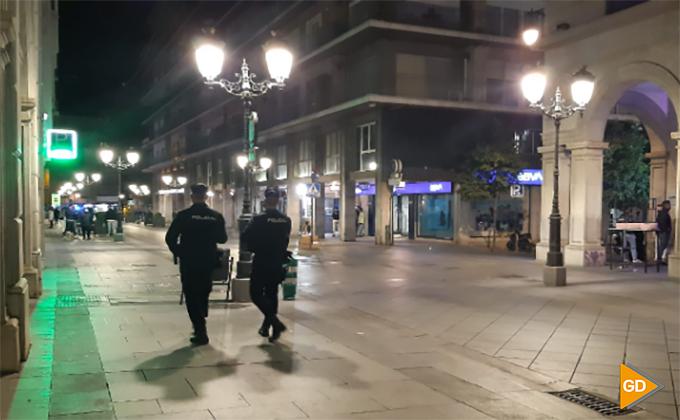 Policia Granada calle Ganivet – Foto María José Ramírez
