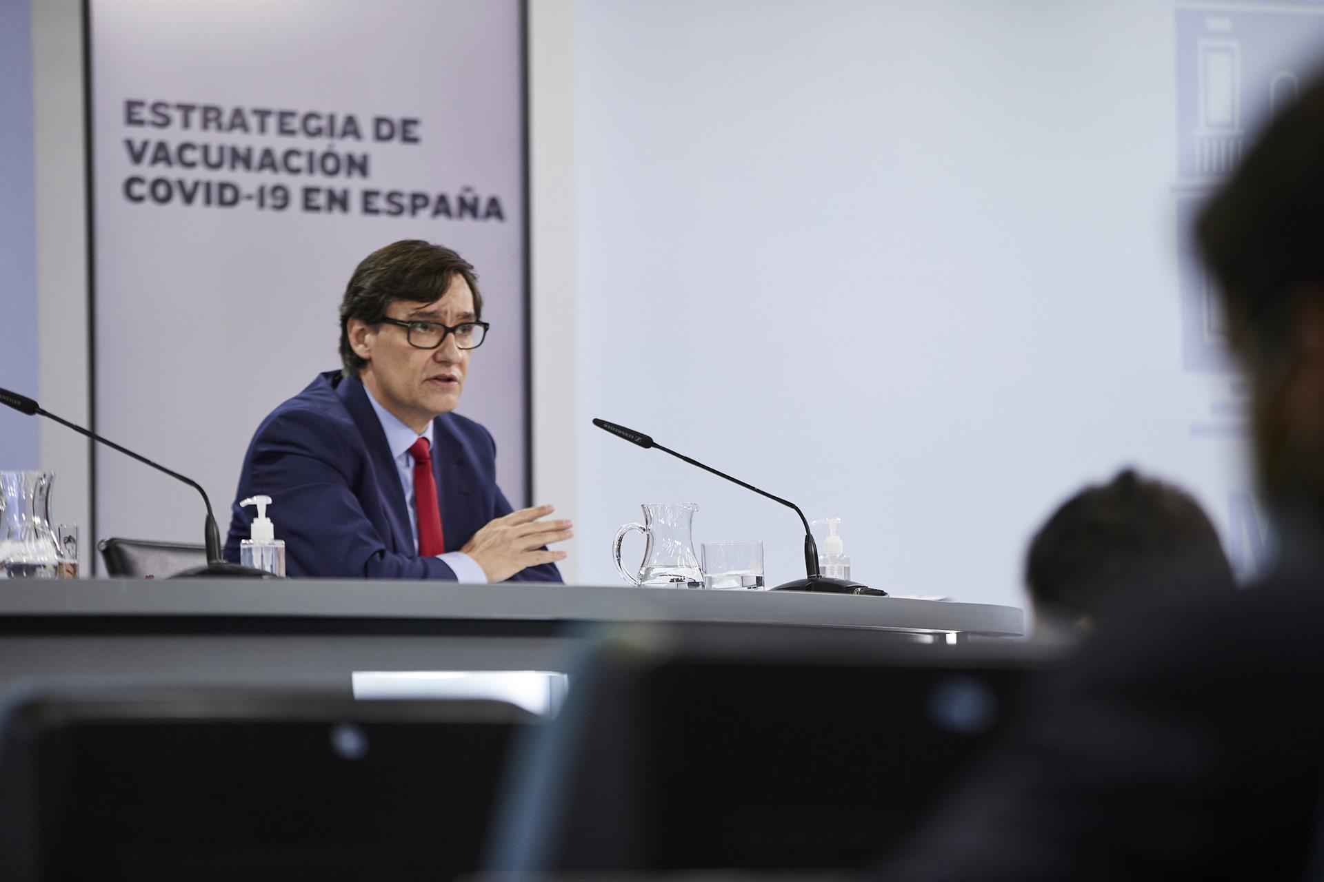 El ministro de Sanidad, Salvador Illa, interviene durante una rueda de prensa posterior al Consejo de Ministros celebrado en Moncloa Foto J. Hellín. POOL – Europa Press