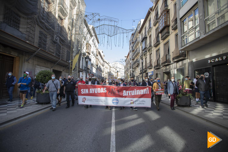 Manifestación en contra del cierre de la hosteleria en Granada durante las restrinciones por coronavirus
