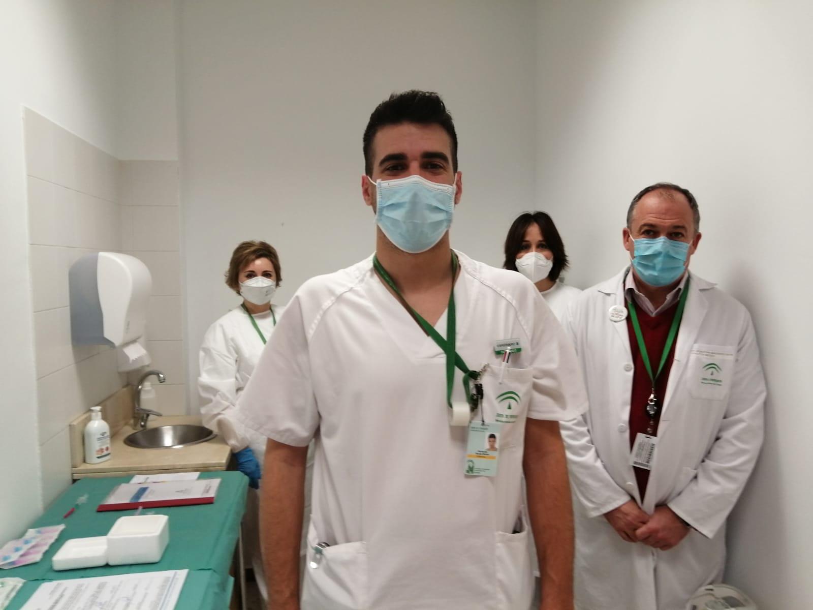 09 Vacunación Covid-19 Hospital Virgen de las Nieves