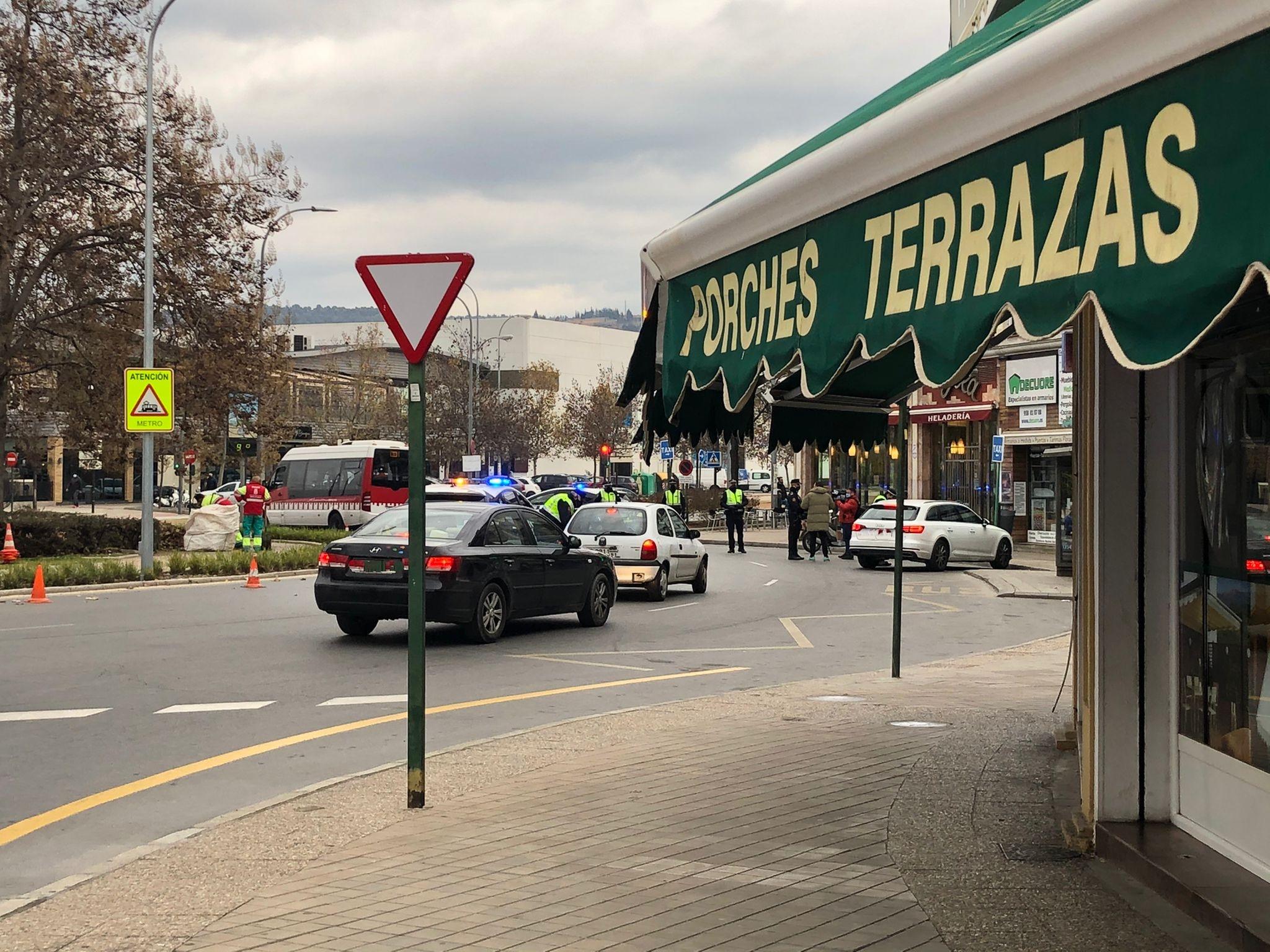 controles-policiales-granada-palacio-deportes-cierre-perimetral-covid-19-coronavirus