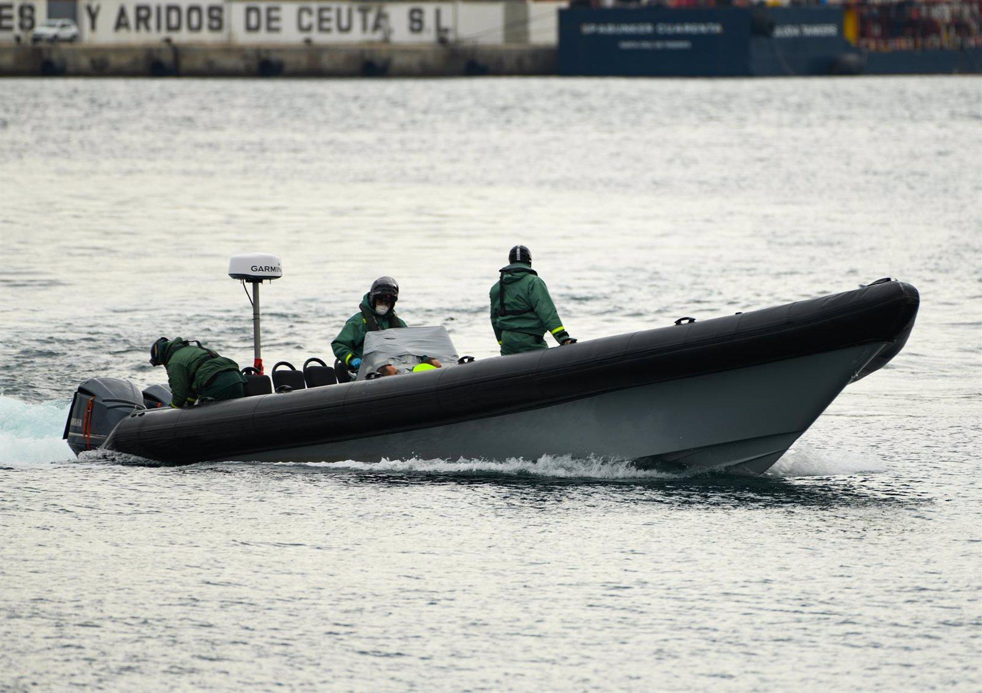 Granada.- Sucesos.- En buen estado siete inmigrantes trasladados la pasada madrugada al Puerto de Motril