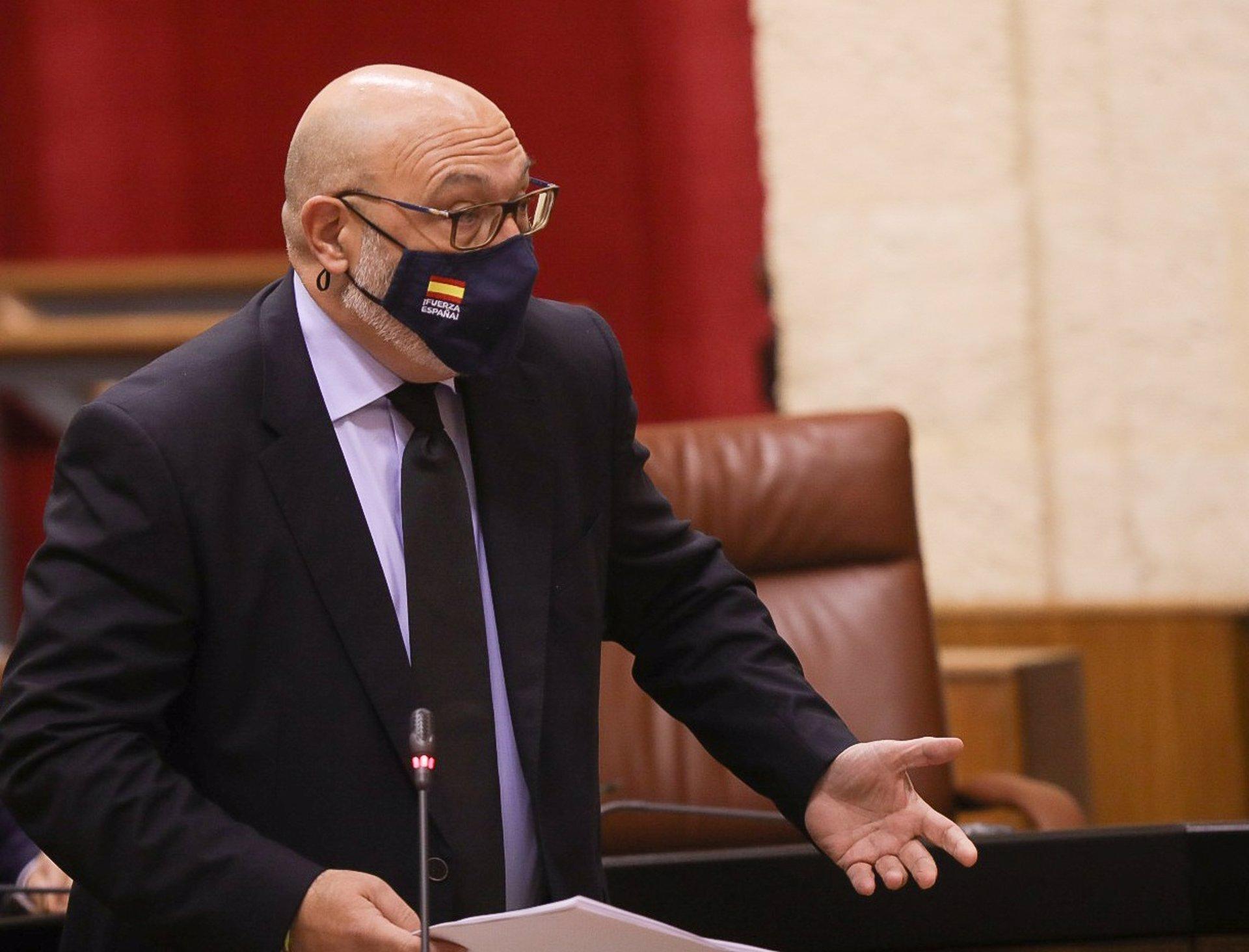 AV.- Vox anuncia que no apoyará más iniciativas del Gobierno andaluz hasta que implante el pin parental