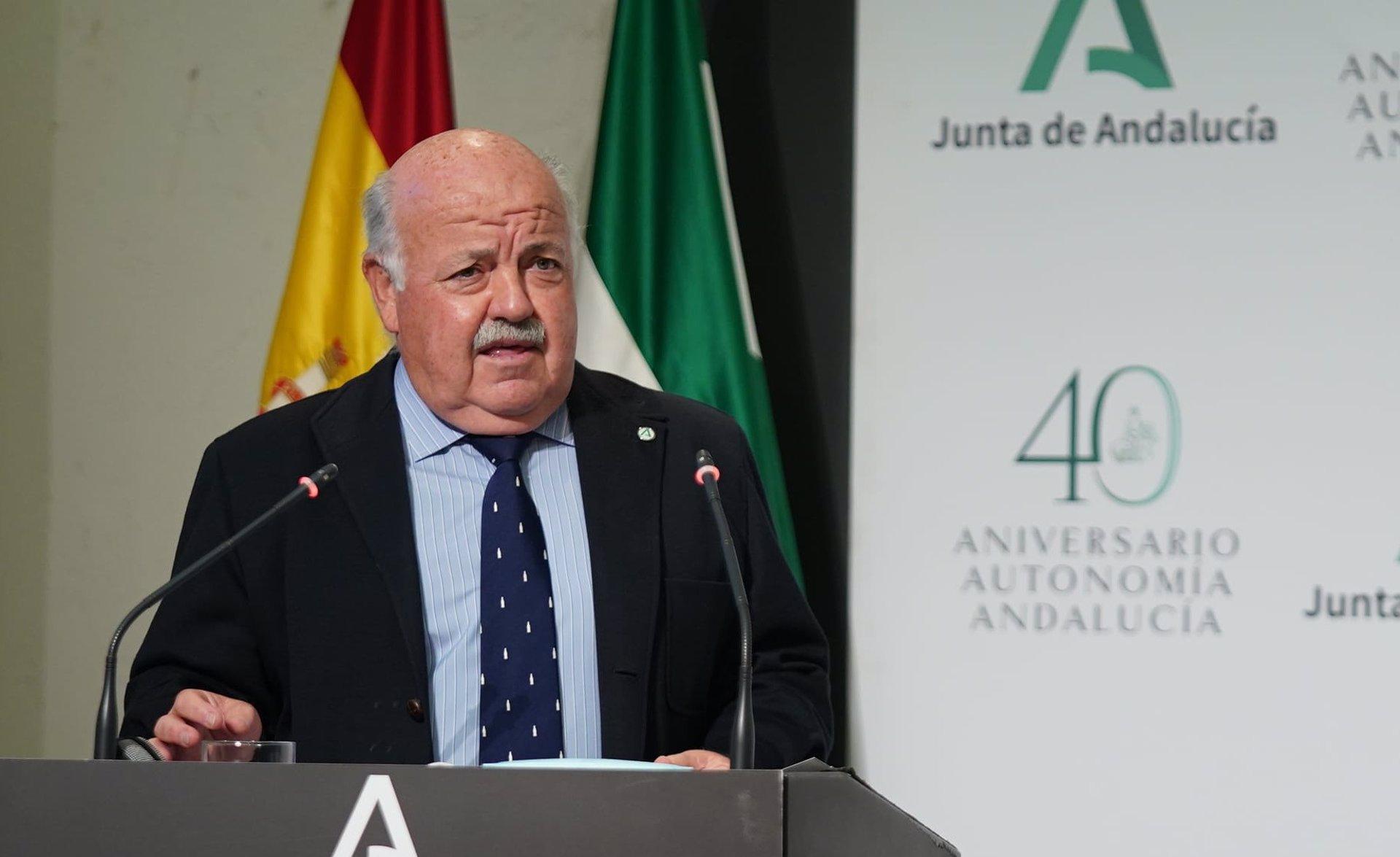 El consejero de Salud y Familias de la Junta de Andalucía, Jesús Aguirre, en la rueda de prensa posterior al Consejo de Gobierno.