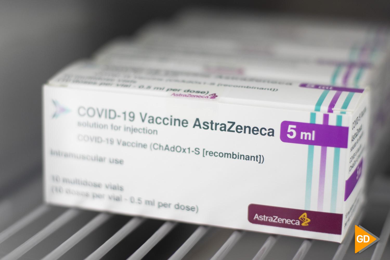 Salida de las vacunas de Janssen en los almacenes de Bidafarma en Granada