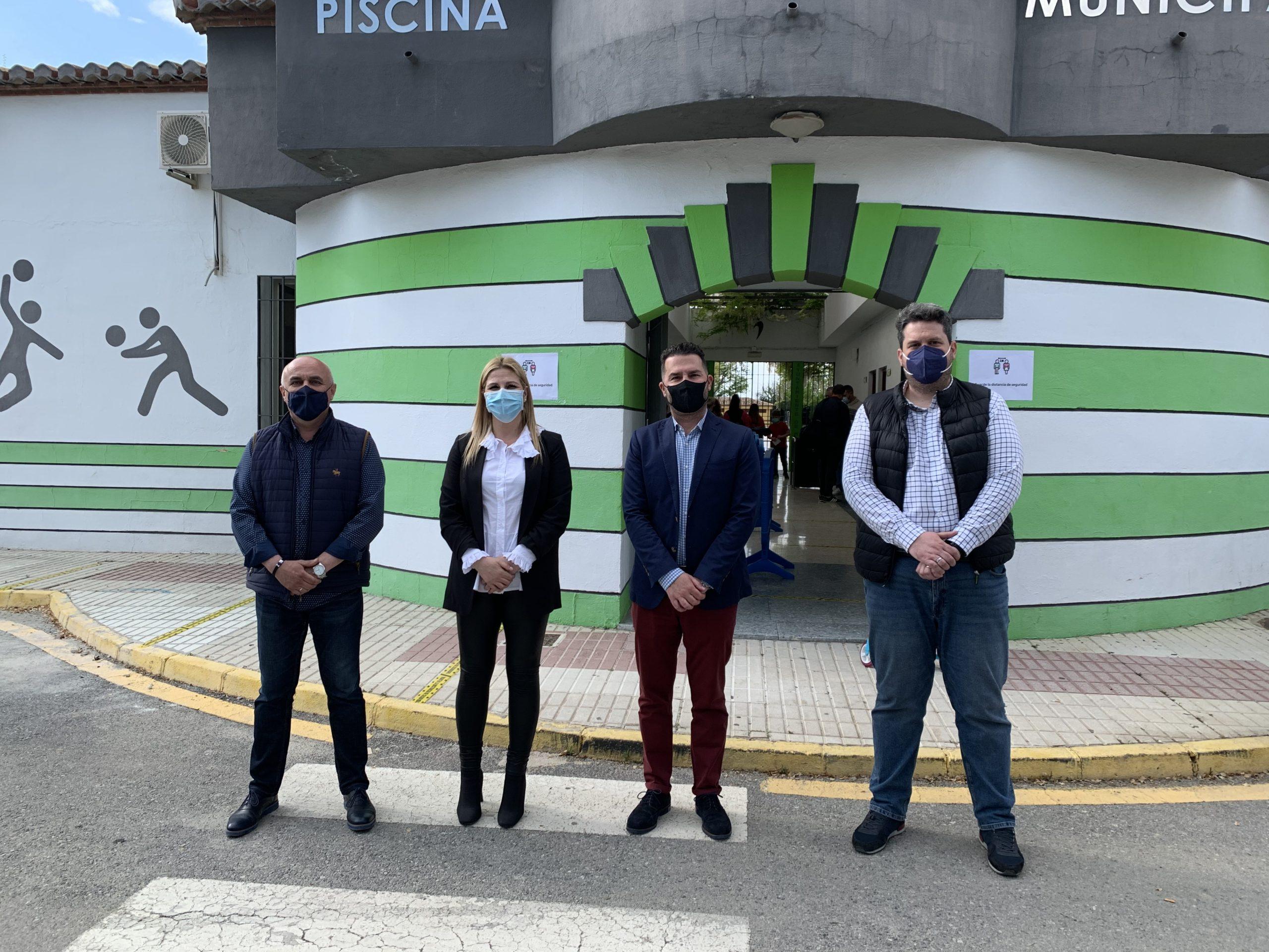 De derecha a izquierda Carlos Porcel, concejal de Deportes; Noel López, alcalde de Maracena; Vanessa Romero, concejala de presidencia; Víctor Ortega, concejal de Obras y Servicios