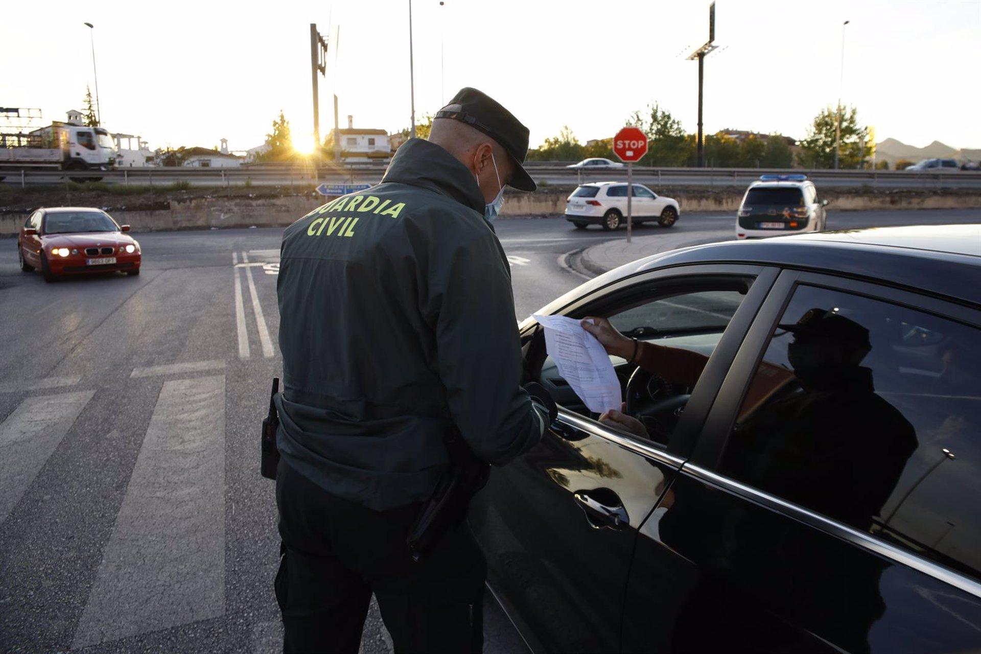 Granada.- Cvirus.- Salud declara el nivel de alerta 4 en el grueso de la provincia, con 35 municipios cerrados