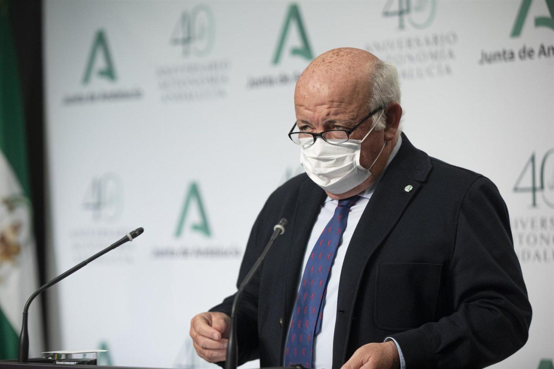 El consejero de Salud y Familias, Jesús Aguirre, tras reunión del Consejo de Gobierno de la Junta de Andalucía Foto_ María José López – EP