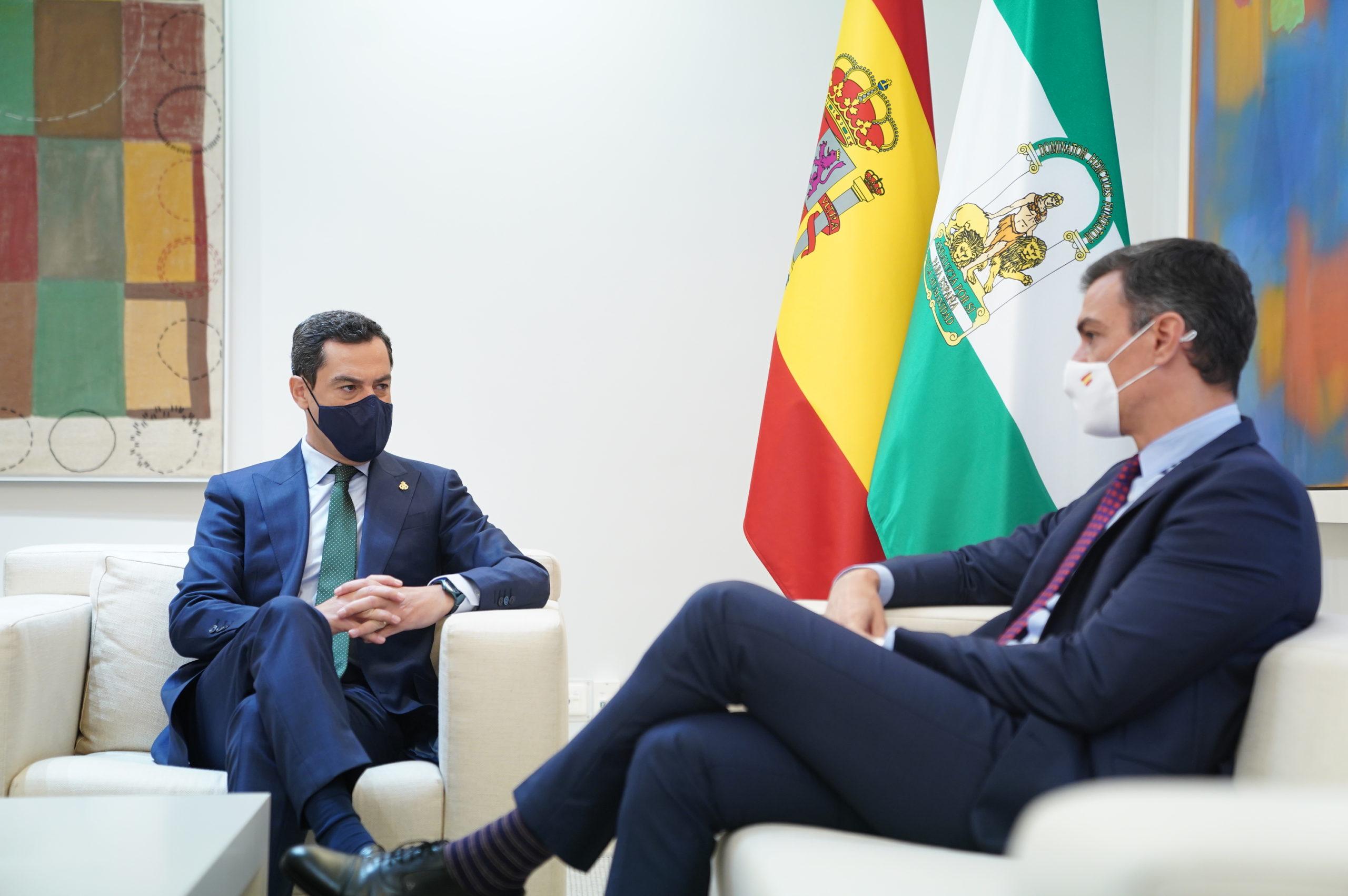 Juanma Moreno y Pedro Sánchez 02