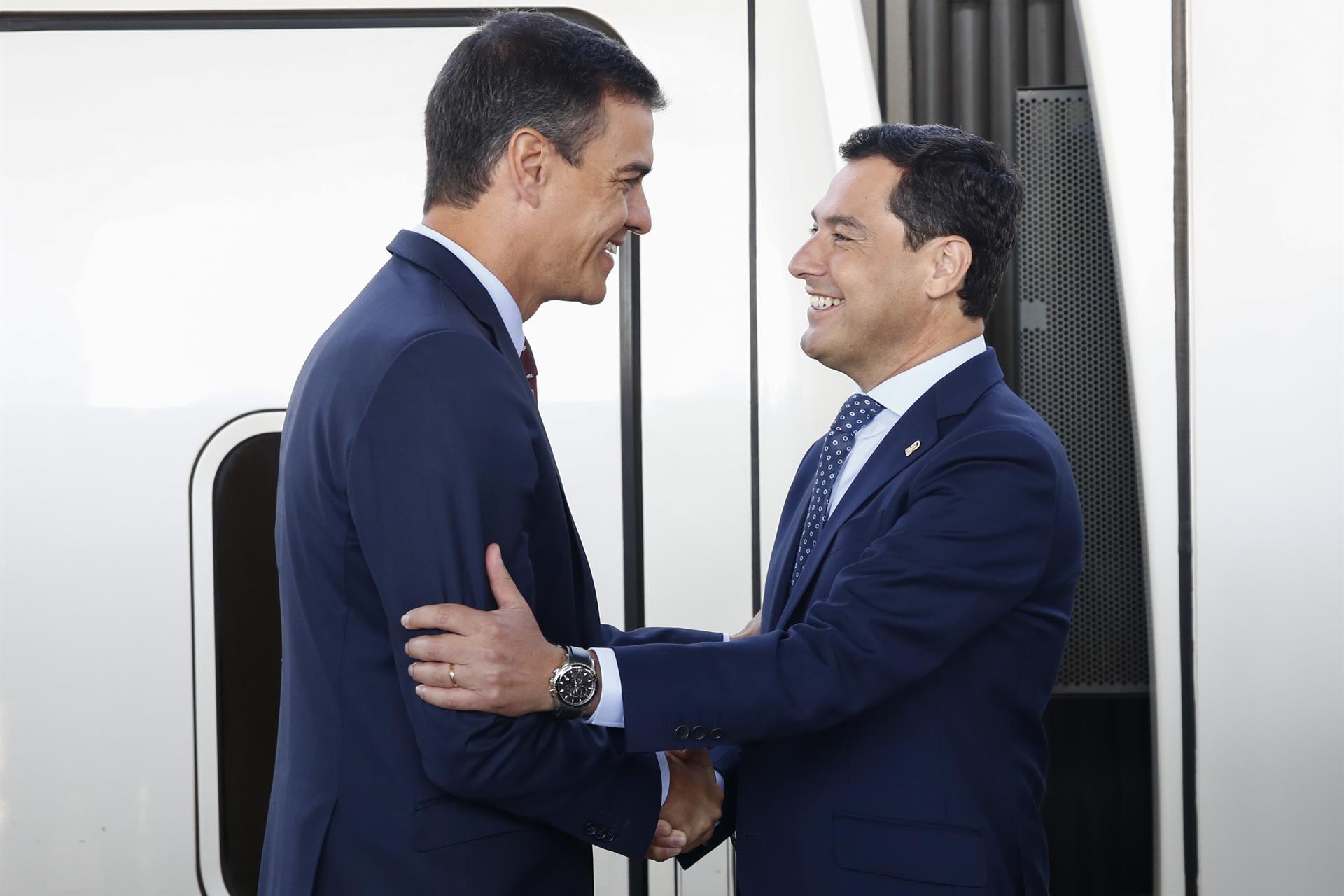 Pedro Sánchez y Juanma Moreno, en una imagen de archivo de junio de 2019 – Álex Cámara – Europa Press