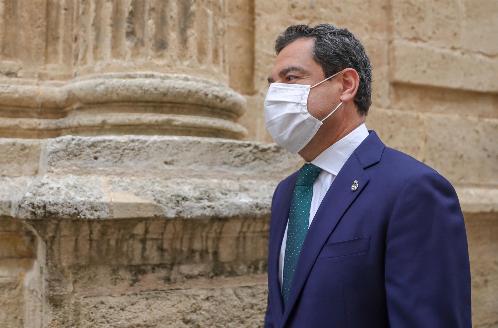 El presidente de la Junta de Andalucía, Juanma Moreno, en su última aparición pública en el Pleno del Parlamento, el miércoles 27 de mayo de 2021 – María José López – Europa Press