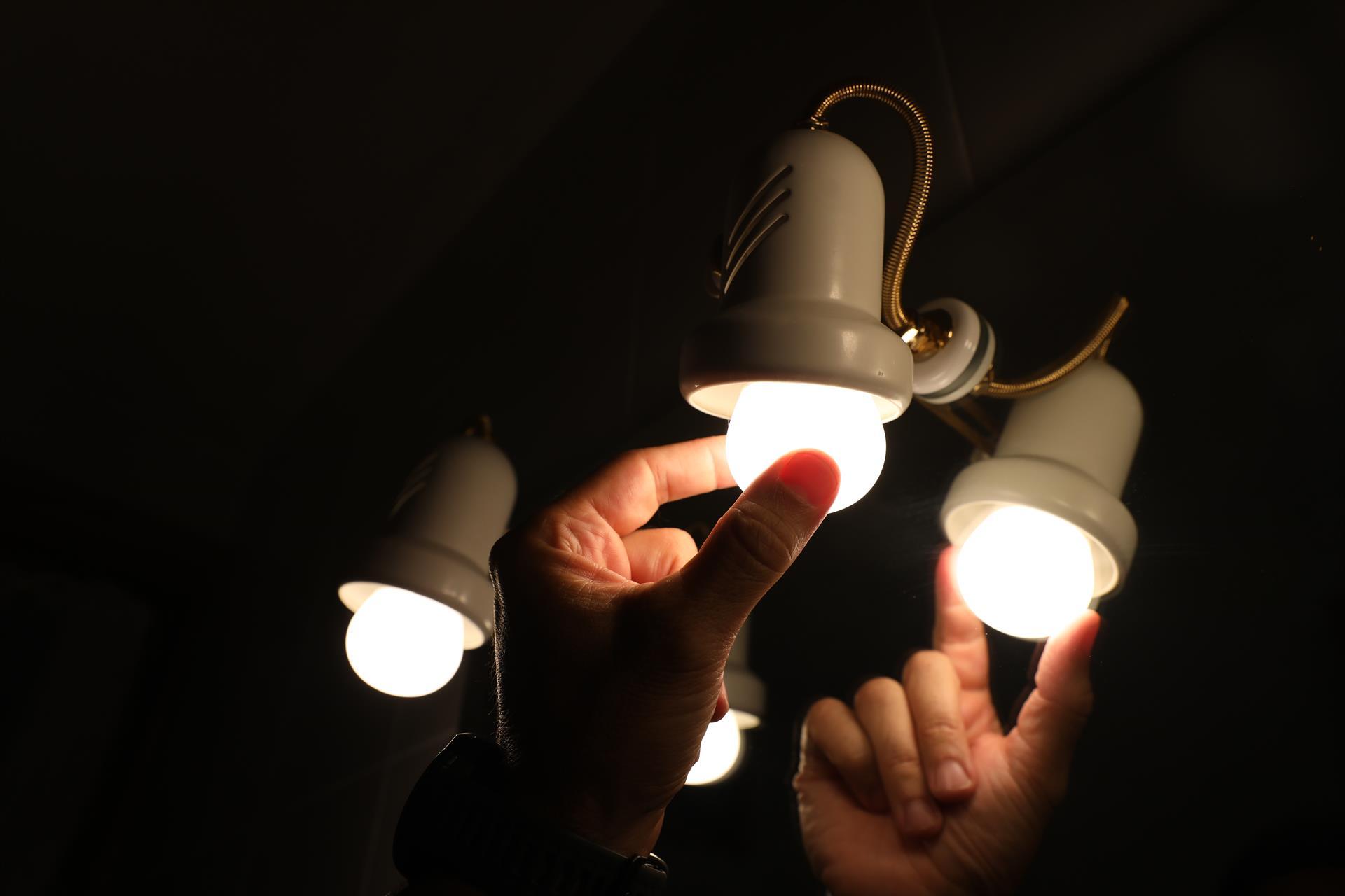 precio factura de la luz bombilla